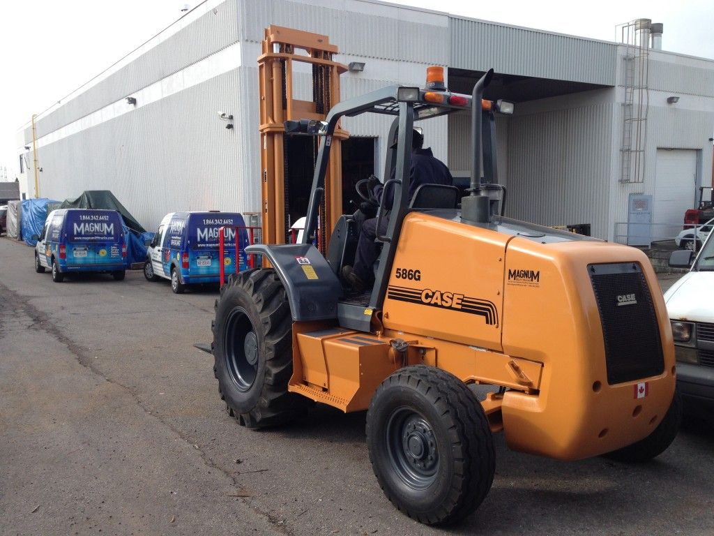 2007 Case 586 Rough Terrain Forklift - Magnum Lift Trucks