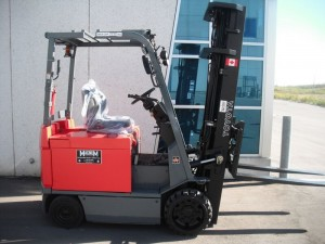 TOYOTA 7FBCU25 CUSHION TIRE FORKLIFT