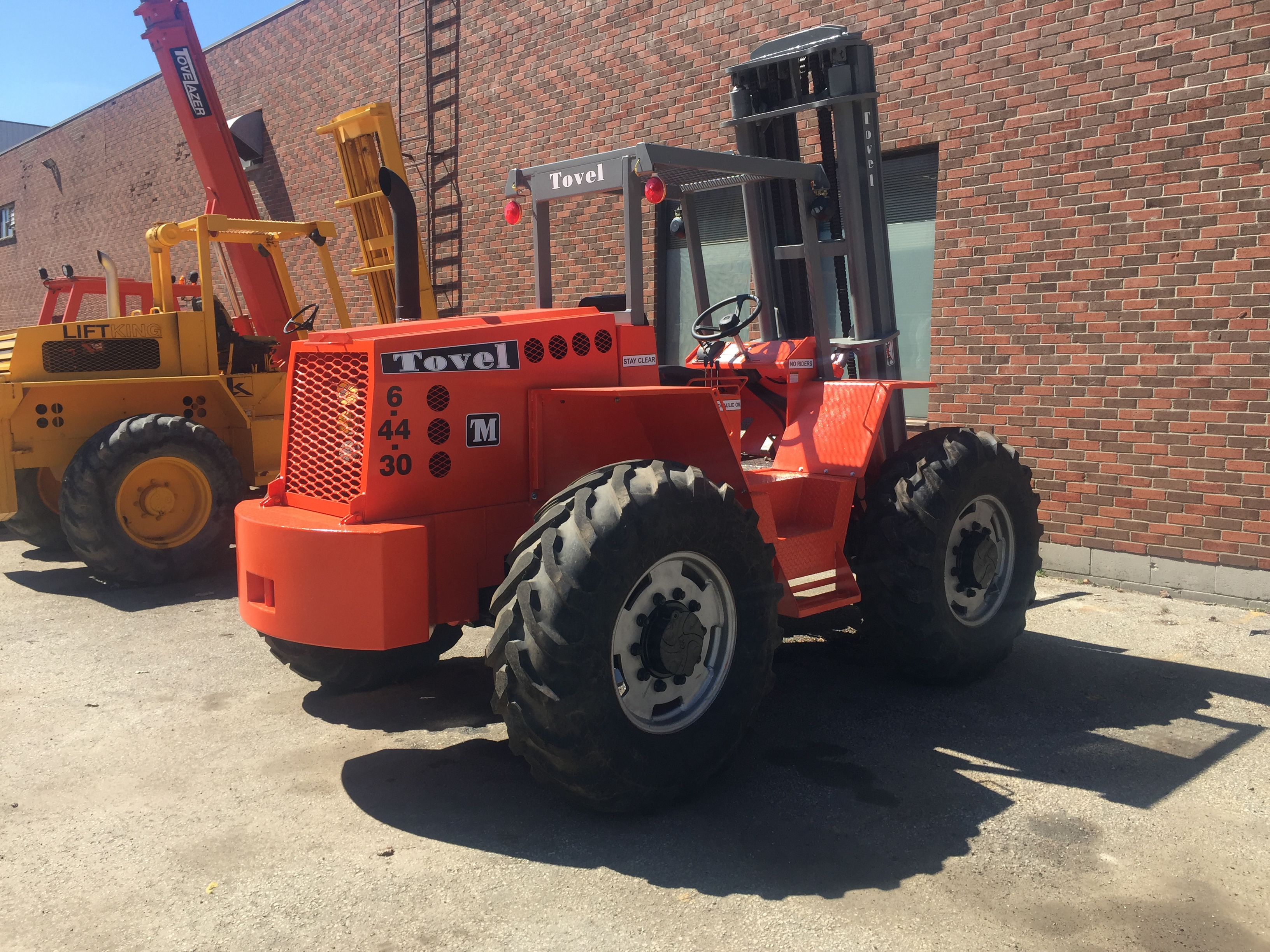 2017 tovel rough terrain forklift 6 44 30 magnum lift trucks tovel 8 44 30 rough terrain magnum lift trucks 1betcityfo Image collections