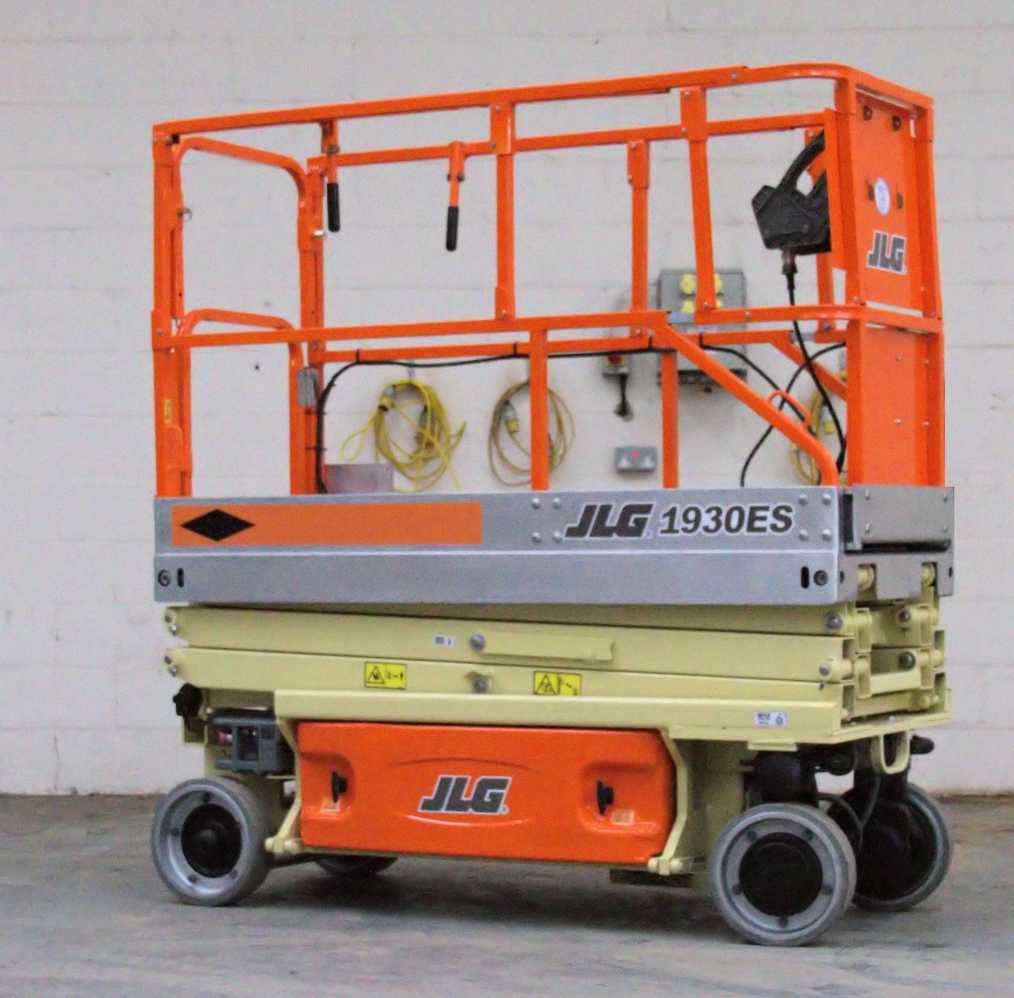 JLG 1930ES ELECTRIC SCISSOR LIFT | Magnum Lift Trucks